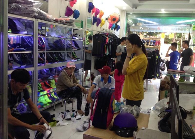 khach hang shop aha