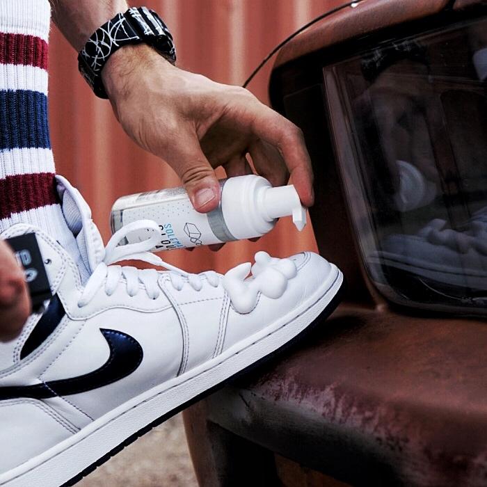 Kết quả hình ảnh cho vệ sinh giày
